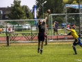 Defense versucht Ball abzufangen